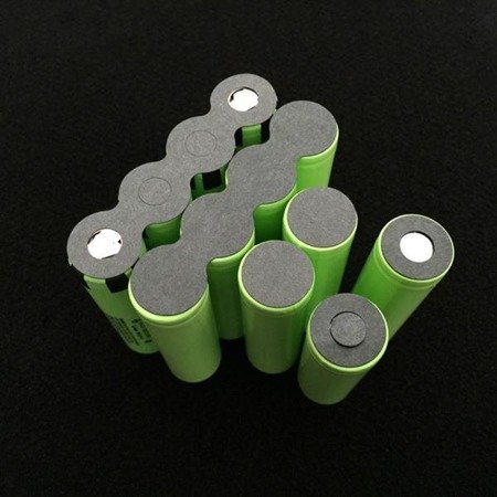 Podkładka izolująca pełna - na 32 akumulatory 18650