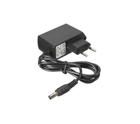 Zasilacz uniwersalny 5V - 3A - do oświetlenia LED, modułów GSM, routerów